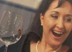 Video ««Einstein» wills wissen: Kann die menschliche Stimme ein Glas zum Zerspringen bringen?» abspielen