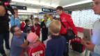 Video «Fussball: Fussball: Ankunft der Schweizer Nati» abspielen