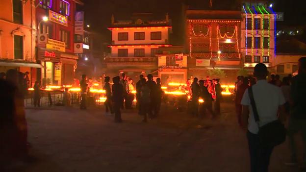 Video «Die Lichter des Tihar-Fests sind ein Zeichen der Hoffnung» abspielen