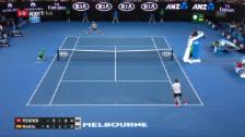 Video «Federer gewinnt den Ballwechsel des Turniers» abspielen