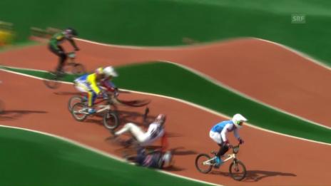 Video «BMX-Fahrer Graf ist in einen Sturz verwickelt» abspielen