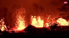 Link öffnet eine Lightbox. Video Kilauea spuckt weiter spektakulär Lava abspielen