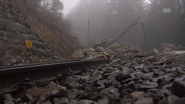 Video «Felssturz bei Chur blockiert Bahnstrecke» abspielen