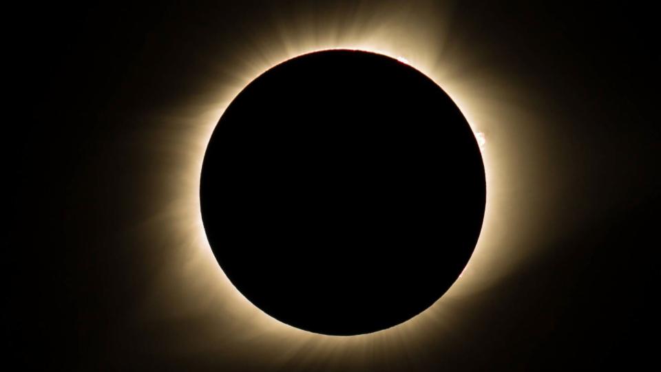 Wie eine Sonnenfinsternis die Relativitätstheorie bestätigte