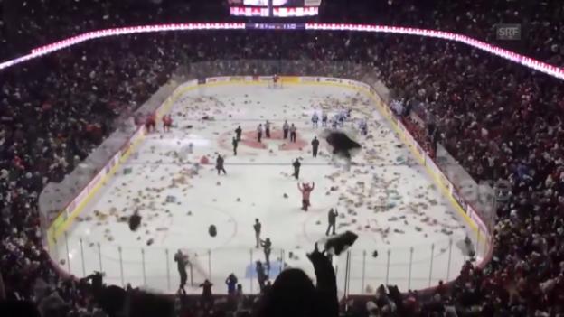 Video «Eishockey: Weltrekord im Teddy-Bären-Werfen» abspielen