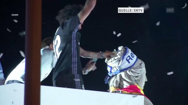Video «Vor tausenden von Fans: Real feiert den Titel» abspielen