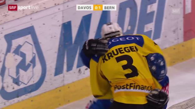 Video «Break in Davos: Bern gewinnt Schlagabtausch gegen HCD» abspielen