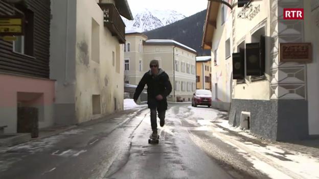 Laschar ir video «Il plevon cun longboard»