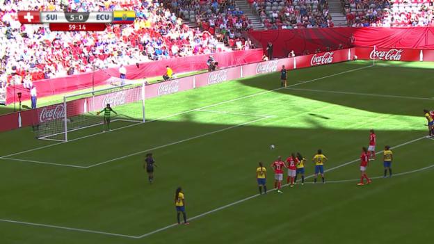 Video «Fussball: Frauen-WM, Schweiz-Ecuador, Doppelschlag Ramona Bachmann» abspielen