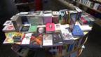 Video «Buchhandlungen suchen dringend Kunden» abspielen