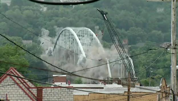 Video «In Schutt und Asche gelegt: 107-jährige Brücke» abspielen
