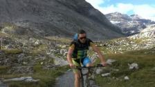 Link öffnet eine Lightbox. Video «Wild Ride» mit dem Bike: 20'000 Höhenmeter in 48 Stunden abspielen