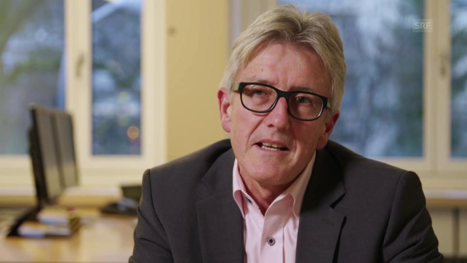 Hubert Bär vom Schweizerischen Versicherungsverband SVV nimmt Stellung zum Vorwurf, dass Versicherungen Patientenansprüche in erster Linie ablehnen.