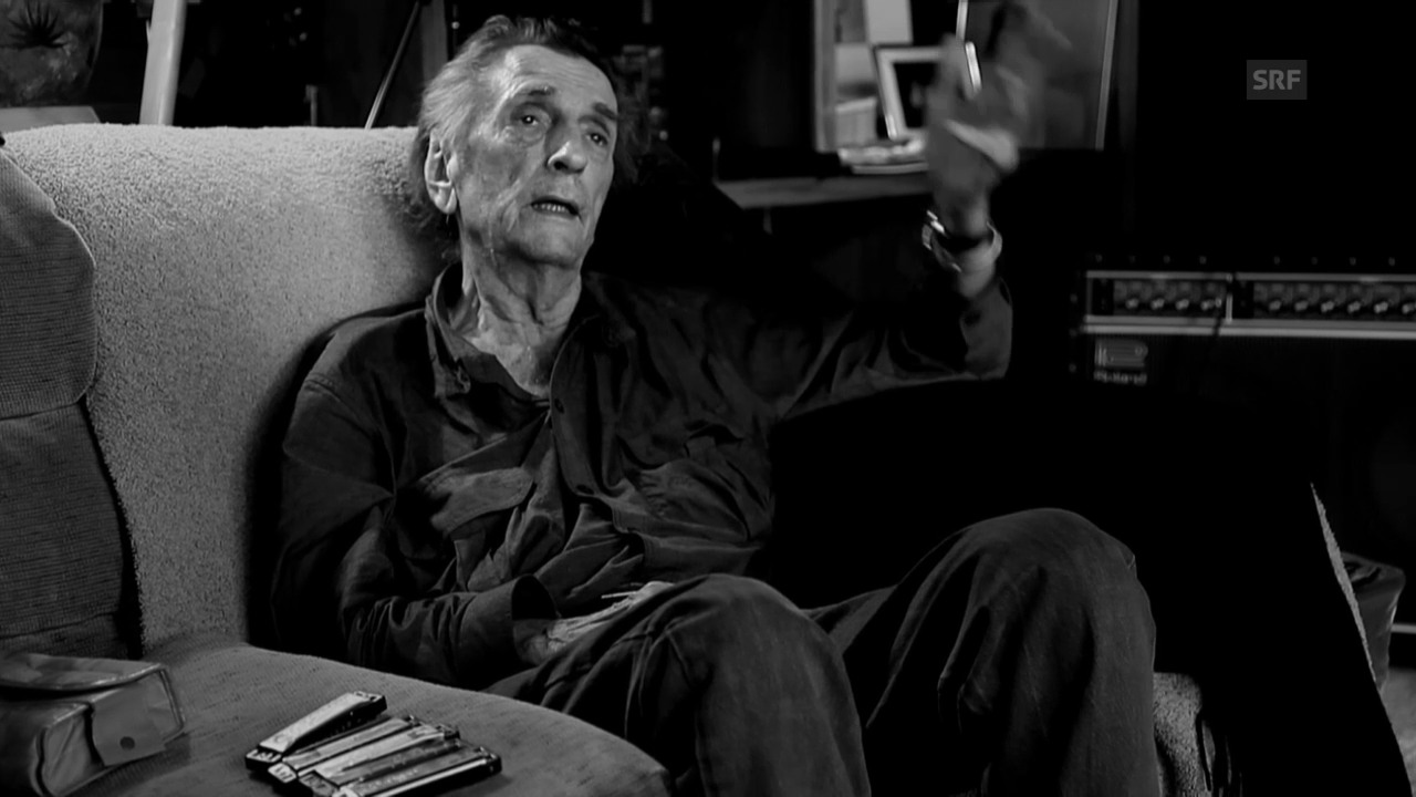 Ausschnitt aus «Partly Fiction»: Harry Dean Stanton singt