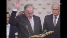 Video «1982; Helmut Kohl wird als Bundeskanzler vereidigt» abspielen
