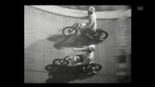 Video «Motorradfahrer in der Todesmauer (1960)» abspielen