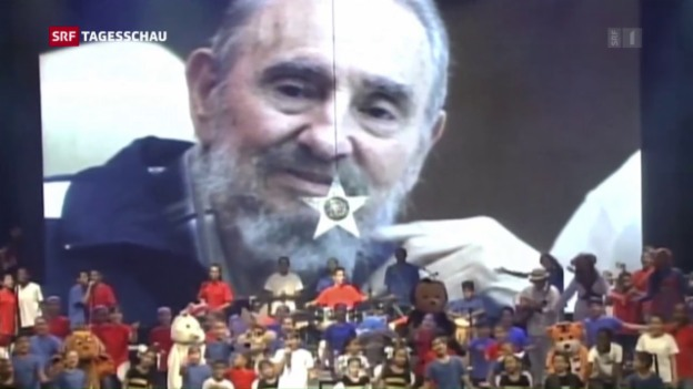 Video «Seltener öffentlicher Auftritt zum 90. Geburtstag» abspielen