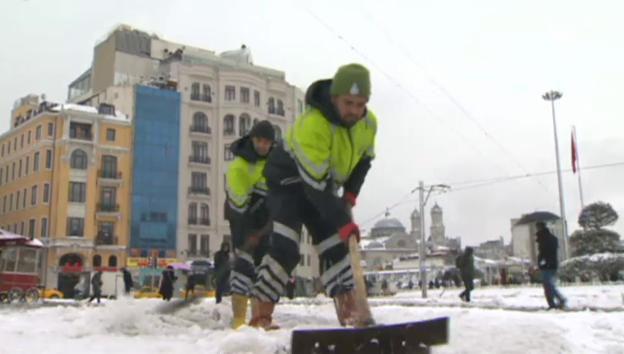 Video «Schneechaos in Istabul (ohne Ton)» abspielen