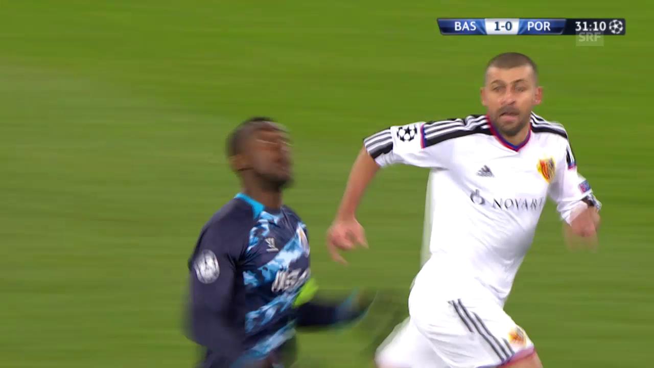 Fussball: Champions League, Achtelfinal, FC Basel - Porto, Szene mit Walter Samuel
