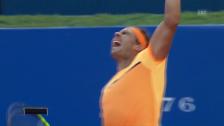 Video «Nadal schlägt Kohlschreiber im Barcelona-Halbfinal» abspielen