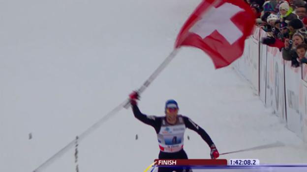 Video «Langlauf: Weltcup La Clusaz 2010, historischer Schweizer Staffel-Sieg» abspielen