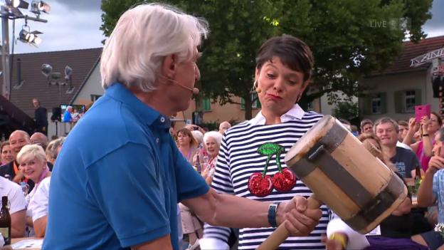 Video ««Donnschtig-Jass» live aus Frenkendorf BL mit Emil Steinberger» abspielen