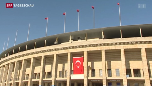 Video «Berlin: Türken wählen Staatspräsidenten» abspielen