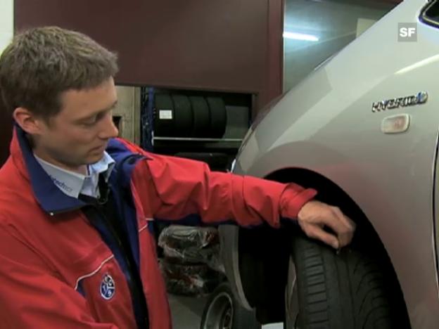 Video «Tipps zum Reifenkauf von Stefan Lehmann, TCS-Projektleiter Reifentest:» abspielen
