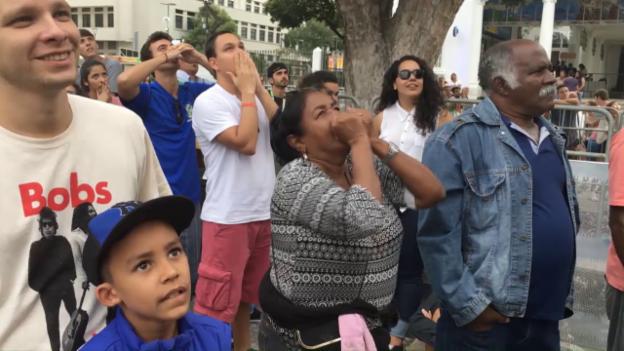 Video «Mit den Brasil-Fans beim Public Viewing» abspielen
