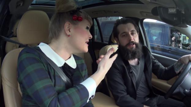 Video «Beifahrer-Karaoke mit Nicole Bernegger und Andi Rohrer» abspielen