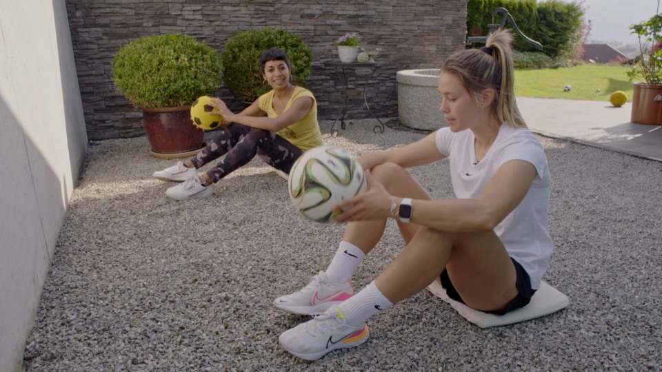 «Achtung, fertig, fit!» mit Fussballerin Viola Calligaris