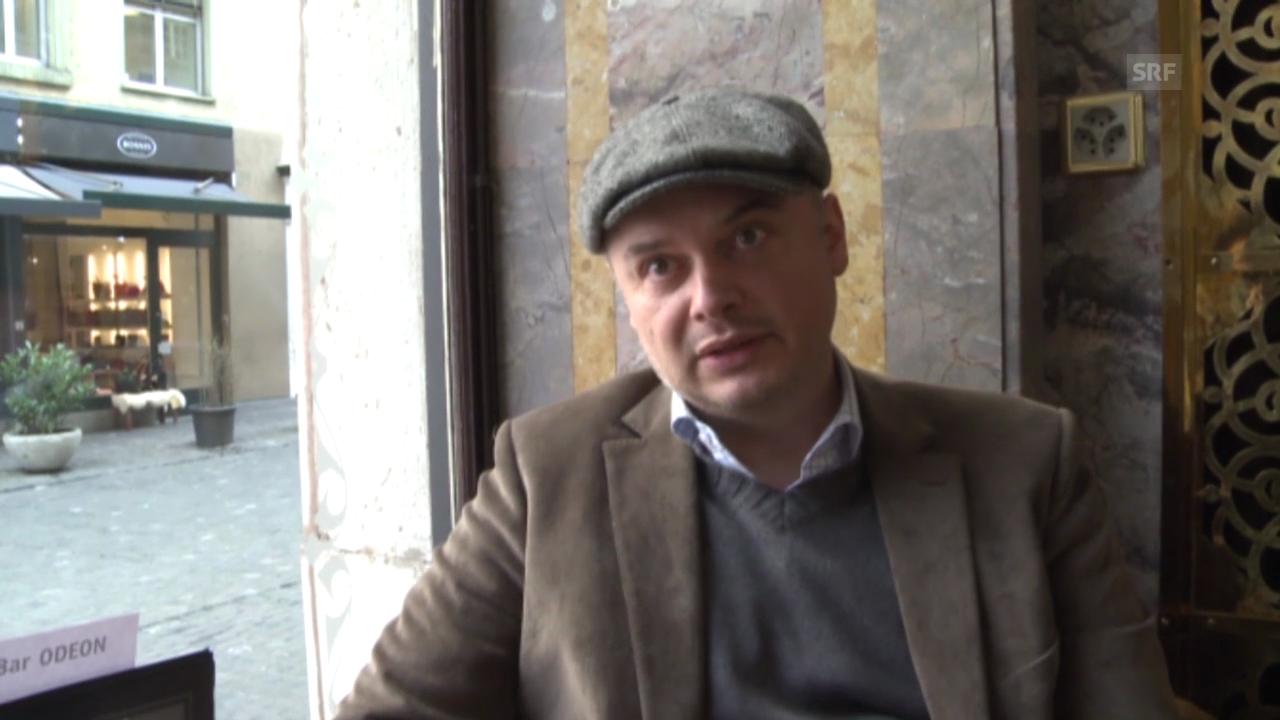 Der Schriftsteller Catalin Florescu ist besorgt