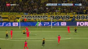 Video «Akinfejews starker Reflex gegen Hoarau» abspielen