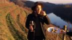 Video «Wein-Girl: Zuhause bei einer Jung-Expertin für edle Tropfen» abspielen