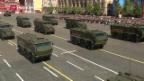 Video «Pomp und Machtdemonstration auf dem Roten Platz» abspielen