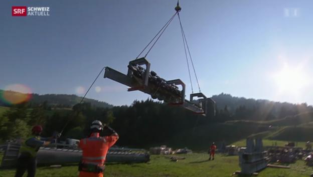 Video «Spektakulärer Helikopter-Transport» abspielen