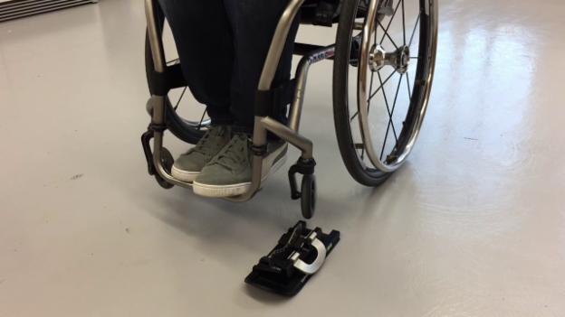 Video «WheelBlades-Rollschuh-Kufen anklicken» abspielen