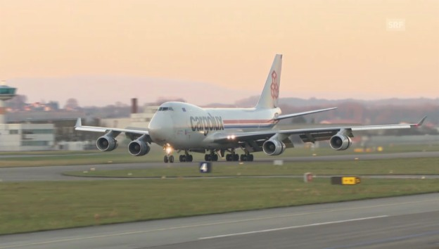 Video «Jumbo-Jet landet in Payerne» abspielen