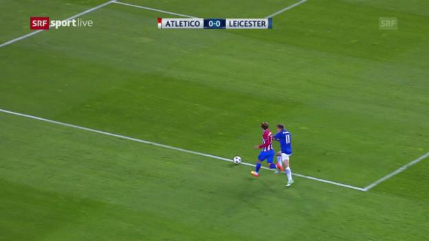 Video «Atletico-Leicester: Penalty statt Freistoss» abspielen