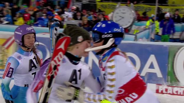 Video «Ski: Slalom Flachau, 2. Lauf Hansdotter» abspielen