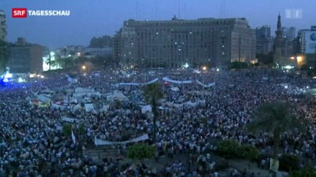 Video «Tausende demonstrieren in Kairo» abspielen