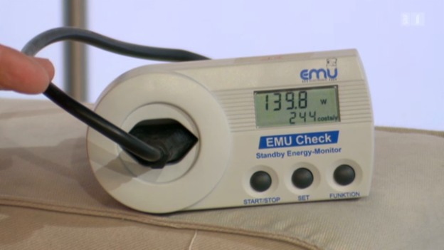Video «Test: Mit diesen Geräten entlarvt man Stromfresser» abspielen
