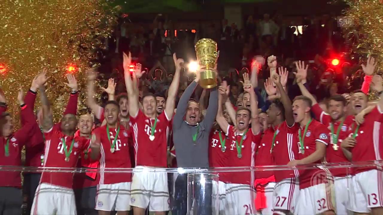 Die Bayern holen den 18. Pokal