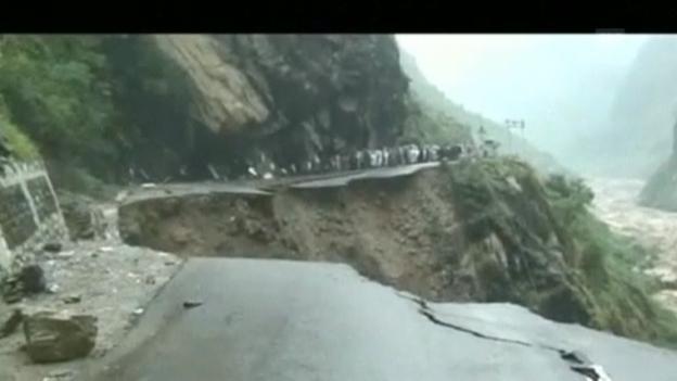 Video «Fluten in Indien (engl.)» abspielen