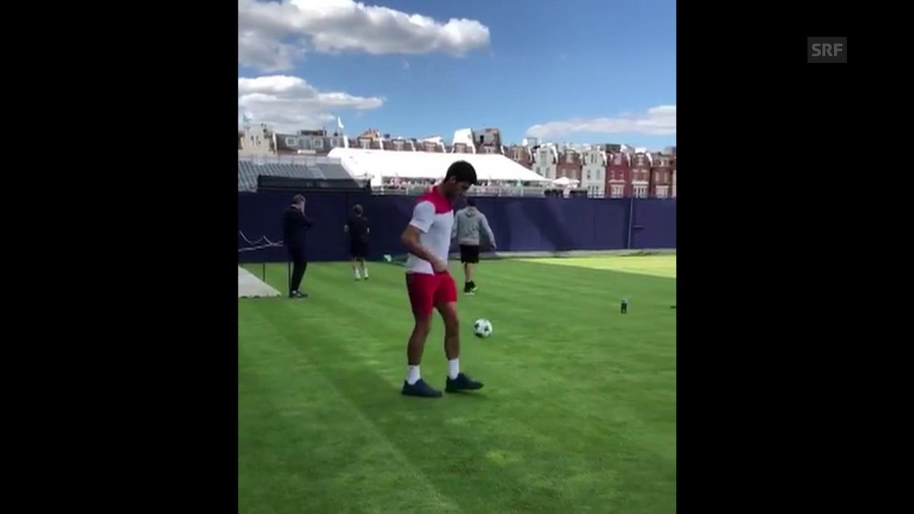 Novak Djokovic zeigt seine Jonglier-Künste