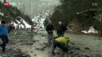 Video «Augenschein am verschmutzten Spöl» abspielen