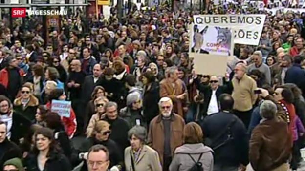 Video «Massenproteste in Portugal» abspielen