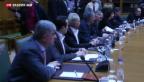 Video «Griechen lassen sich Zeit mit Liste der Reformen» abspielen