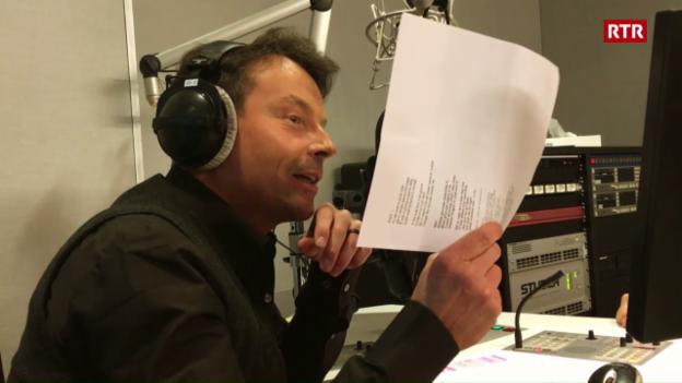 Laschar ir video «Florian Ast chanta «Bialas giuvnas»»
