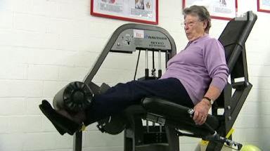 Video «Krafttraining im Alter - Gezielte Übungen zahlen sich aus» abspielen